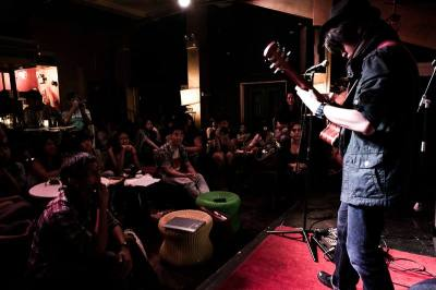 Performance at Blu Jaz, for the SPORE Art Salon