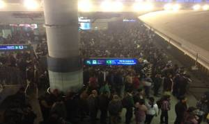 Peak hour crowd at Rajiv Chowk metro station