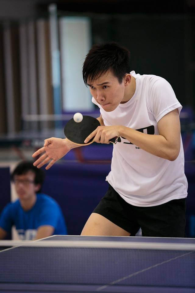 Cheng Koon returning a service from the opponent